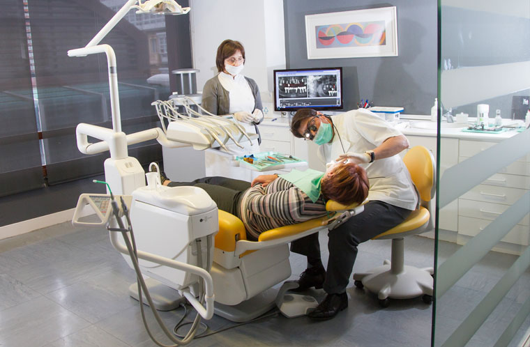 Clínica-Dental-Javier-Araujo-periodoncia